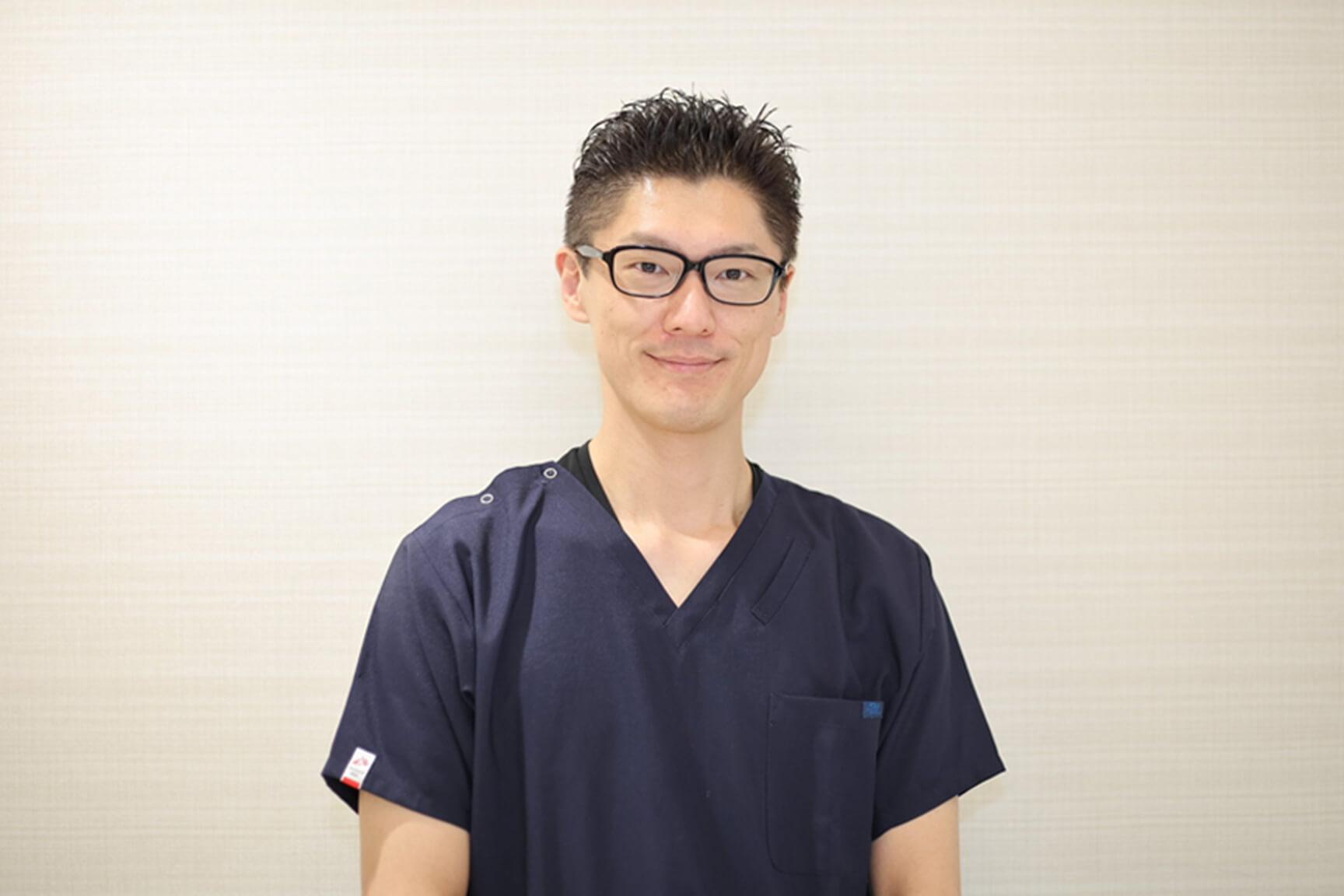 故郷の福井に新たにOPENする分院の責任者に抜擢されました。 中嶋歯科医院 歯科医師 2019年入職 浦井 一樹